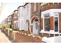 REFURBISHED TWO DOUBLE BEDROOM GROUND FLOOR FLAT WITH PRIVATE GARDEN!