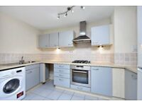 STUNNING TWO DOUBLE BEDROOM APARTMENT, TWO BATHROOMS, UNDERGROUND PARKING & AN AMAZING RIVER VIEW !!