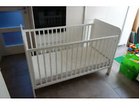 Cotbed, converts into toddler bed, including mattress and accessories
