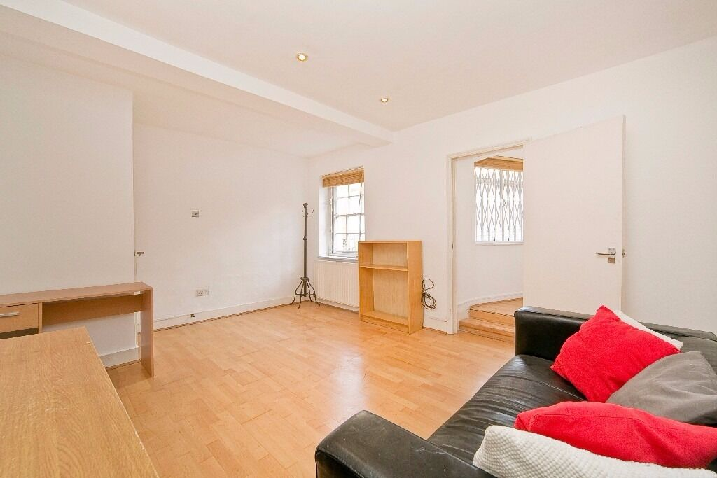 WELL PRESENTED 2 DOUBLE BEDROOM GARDEN FLAT SET IN THE HEART OF CAMDEN TOWN MOMENTS FROM THE TUBE