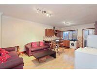 Very large four bedroom split level flat to rent in Deptford!
