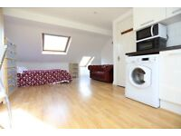 Self Contained Studio Loft + Ensuite. 1 min from station. 20 min to center. All bills inc.