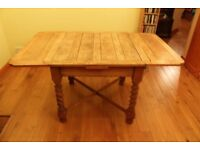 Oak dining extending table