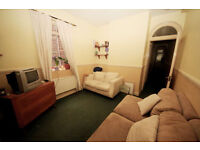 Brixton SW2. **AVAIL NOW** Light, Modern & Redecorated 3 Bed Furnished Flat in Period Mansion Block