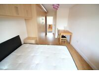 *INCL ALL BILLS* HUGE SELF CONTAINED STUDIO FLAT WITH SEPARATE KITCHEN & COMMUNAL GARDENS- ISLEWORTH