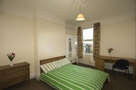 Great Double bedroom in a spacious 5 bedrooms house