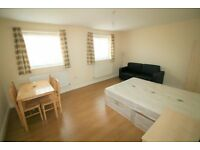 HUGE Double with sofa in MODERN FLAT- Central Line Gants Hill just 5 mins walking!