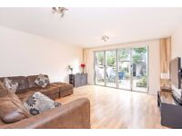 An immaculate three bedroom house to rent in this quiet Southfields cul-de-sac.