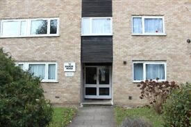Spacious 2-Bedroom Flat in Barnet - Unfurnished
