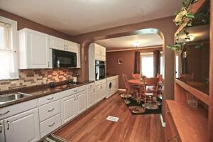 **This Kitchen will make your friends JEALOUS!** 219G1