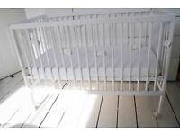 Scandinavian style design baby Cot Bed