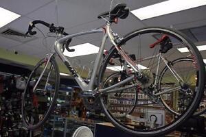 Vélo de route Giant  -Instant Comptant-