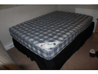 Kingsize bed for sale!