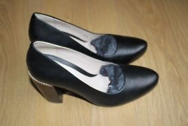 Clarks heels black leather