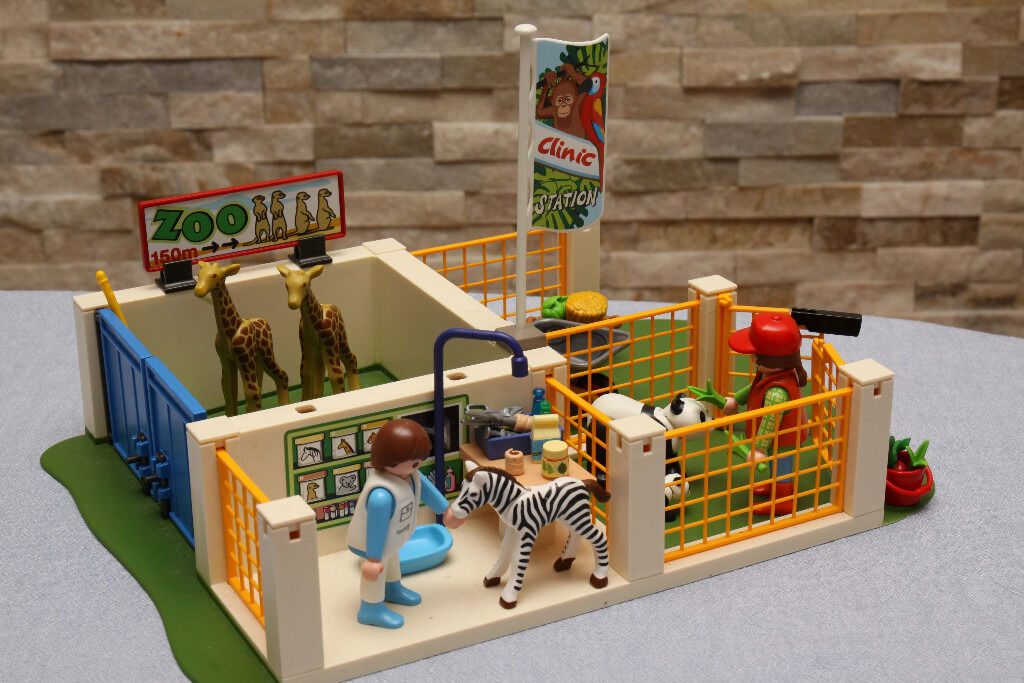 Playmobil Zoo (4009) in great condition