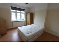 Ideal for SINGLE Professional tenant. Available NOW. Palmers Green N13. close to Train, gym, shops..