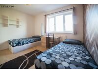 CHEAP PLACE TO RENT ELEPHANT CASTLE ZONE 1 - ROOM TO SHARE - AVAILABLE NOW - NICE HOUSE CALL ME