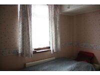 Single Room in 3 Bed House