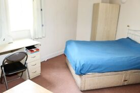 ENSUITE AVAILABLE IN WATERLOO! students and professionals welcome