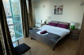 LONG-LUXURY rooms available in MODERN flat in E14