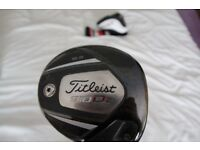 Titliest 910 d2 driver comes with head cover