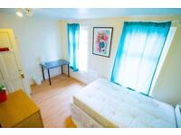 NEW HOUSE - Double Rooms, 3 Ensuites, 2 Bathrooms, Living room, Garden