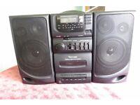 Venturer AM/FM Radio - CD & Cassette Music System