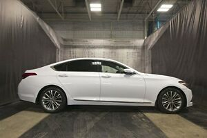 2015 Hyundai Genesis TECHNOLOGY w/ HUD / AWD / LOW KMS