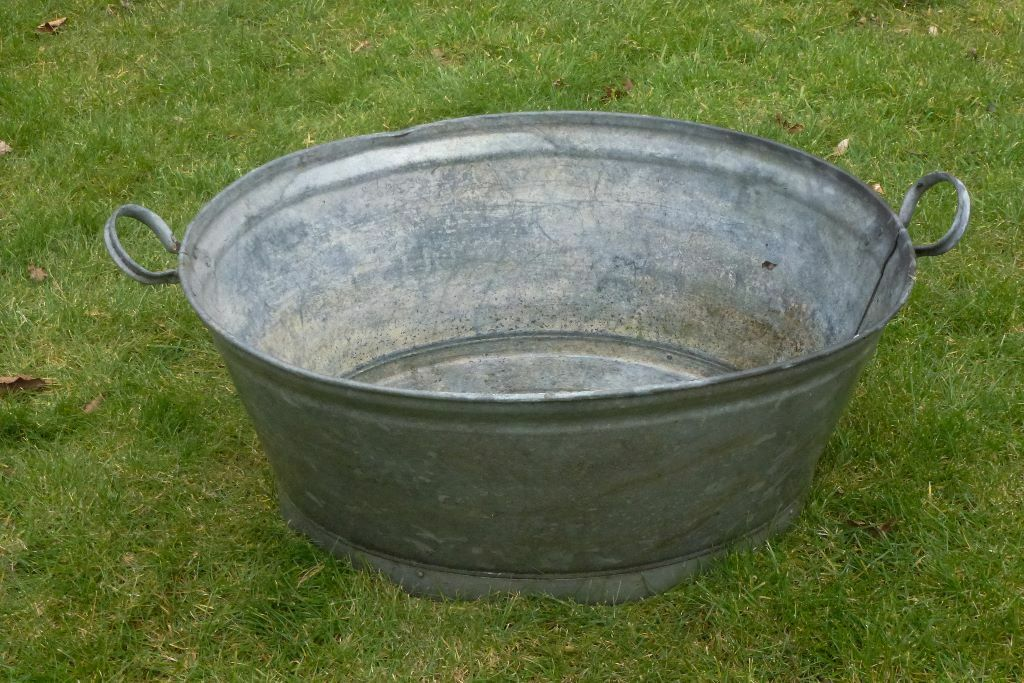 large vintage metal galvanised tin bath washing tub garden