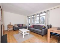 A spacious three bedroom split-level flat to rent in Southfields.