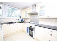 A spacious 3 bed duplex flat on North End Road, close to transport and shops