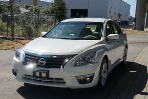 2013 Nissan Altima 2.5 S Only 44000km Langley Location.