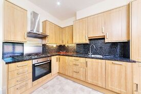 Three Double Bedroom Flat, East Finchley N2 - £515.00 per week