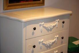 Shabby Chic, Toulouse White Wide 4 Drawer Chest from Dunlem
