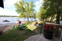 Water front cottage on Netleycreek with HOT TUB 25 Mins from PER