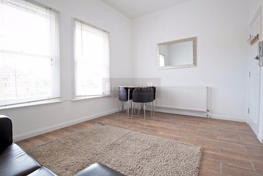 A MARVELLOUS ONE BEDROOM APARTMENT WITH MODERN KITCHEN & SHOWER ROOM MUSWELL HILL N10