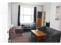 LARGE TWO BEDROOM APARTMENT TO LET IN CITY CENTRE