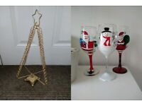 3 x Christmas Wine Glasses + Gold Christmas Tree Card Stand