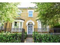 2 bedroom flat in Lordship Park, London, N16 (2 bed) (#987396)