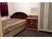 Spacious Double Room near train station!