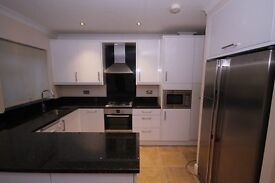 STUNNING 5 DOUBLE BED HOUSE IN DOLLIS HILL. ONLY 5 MINS TO ZONE 2 TUBE. CALL 0208 459 4555 TO VIEW
