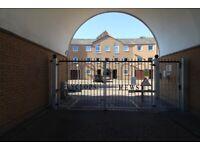 GATED DEVELOPMENT 5 BEDROOM 4 BATHROOM STUDENTS - CYCLOPS MEWS