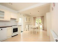 3 bedroom house in Crespigny Road, Hendon, NW4