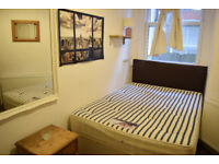 Double room in Tooting for one person in 3 bedroom house. Shared with 2 people.