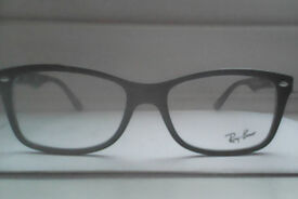 Ray-Bans prescription glasses brand new with out lens u can put any type lenses