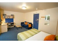 STUDENT ROOM TO RENT IN BIRMINGHAM. NON-ENSUITE WITH DOUBLE BED, PRIVATE ROOM, STUDY DESK AND CHAIR