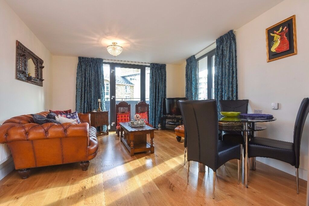 Fairmont House - A grand and beautifully presented two double bedroom two bathroom apartment to rent