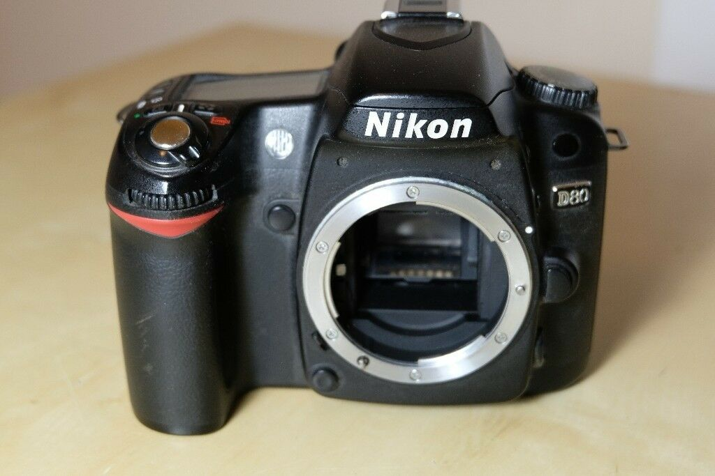 Nikon D80 Digital Camera Body + Battery +