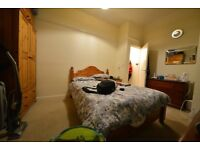 Well presented double bedrooms near Reading Town Centre