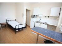 **BILLS INCLUDED** CHEAP self contained studio styled double room in GREAT location